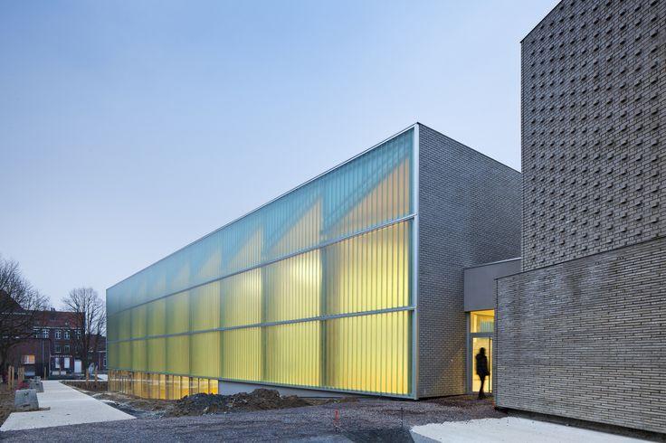 Gallery of Multisports Hall Mouvaux / de Alzua+ - 1