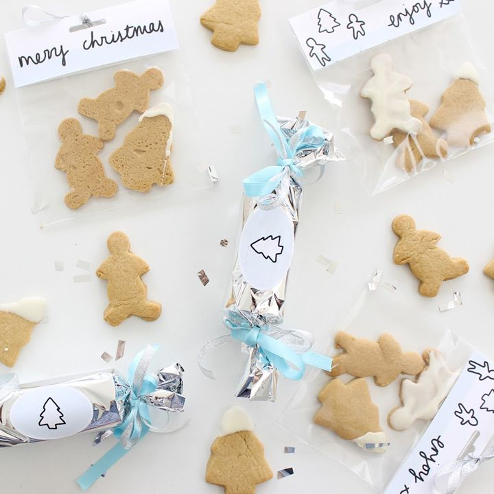 What do you get when you combine pretty pastels, Christmas cookies and Avery? The ultimate Secret Santa gift!