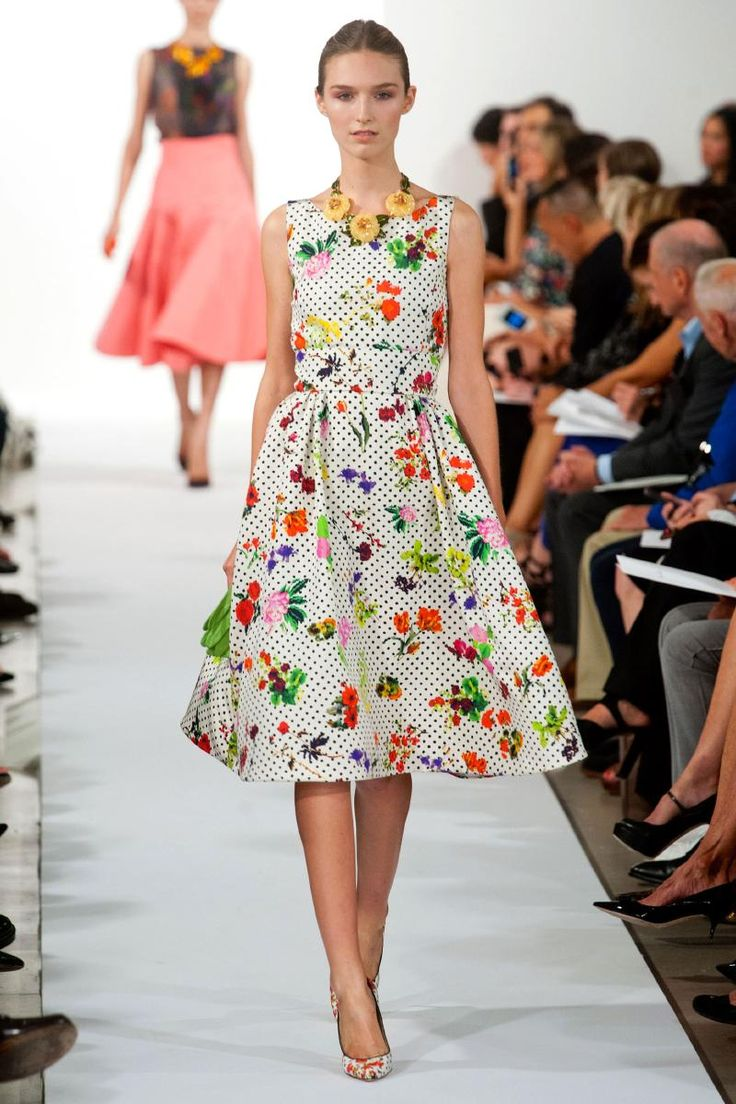 FINALLY, some feminine clothing for ladies.  Not a belly button in sight!  Oscar de la Renta | Spring 2014