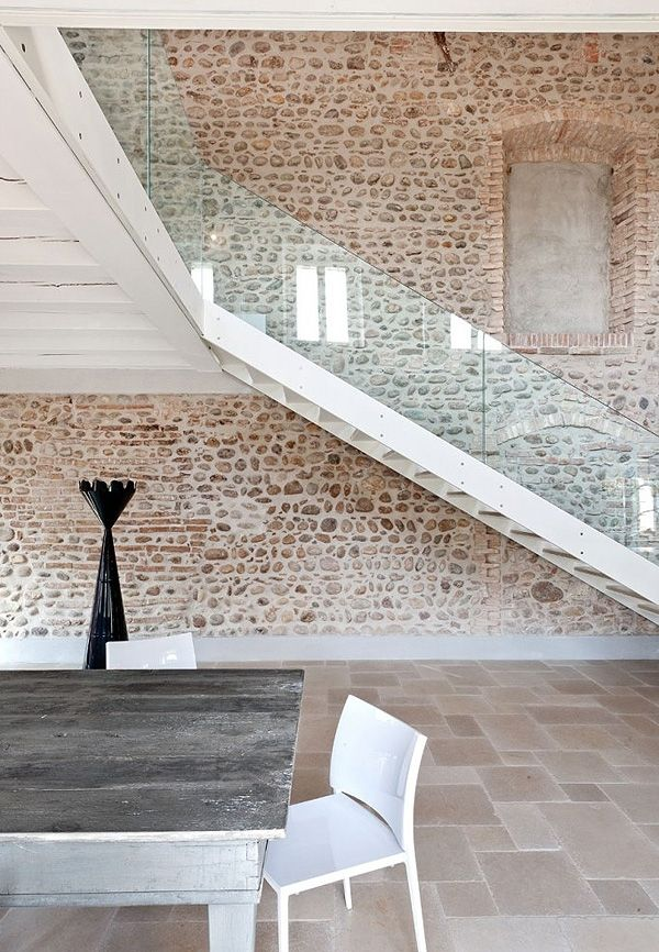 Design Therapy | ESTATE  ITALIANA | http://www.designtherapy.it. LOVE the stone mixed with modern glass staircase!!