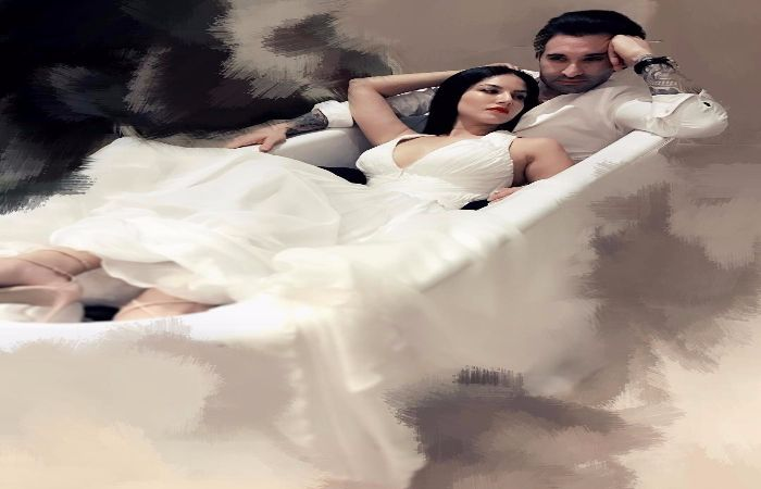 #SunnyLeone Hottest Pic With Hubby Daniel Is Too Spicy To Handle!
