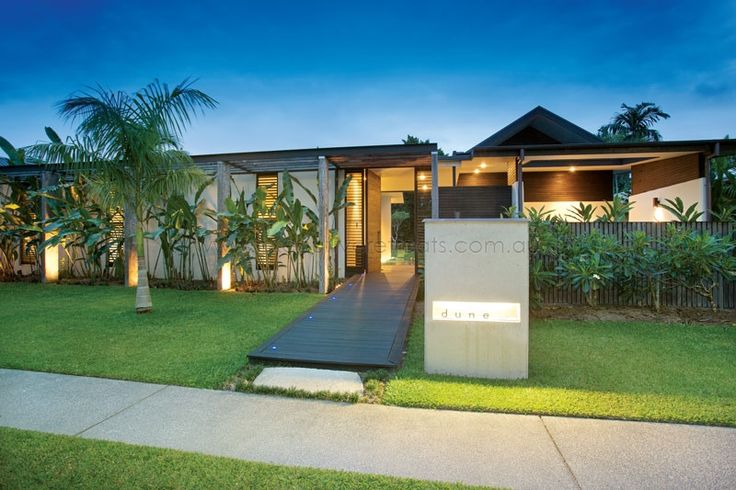 Queensland Holiday Houses.  Executive Retreats offer the best selection of holiday houses in Tropical North Queensland.  http://www.executiveretreats.com.au/ This is Dune.