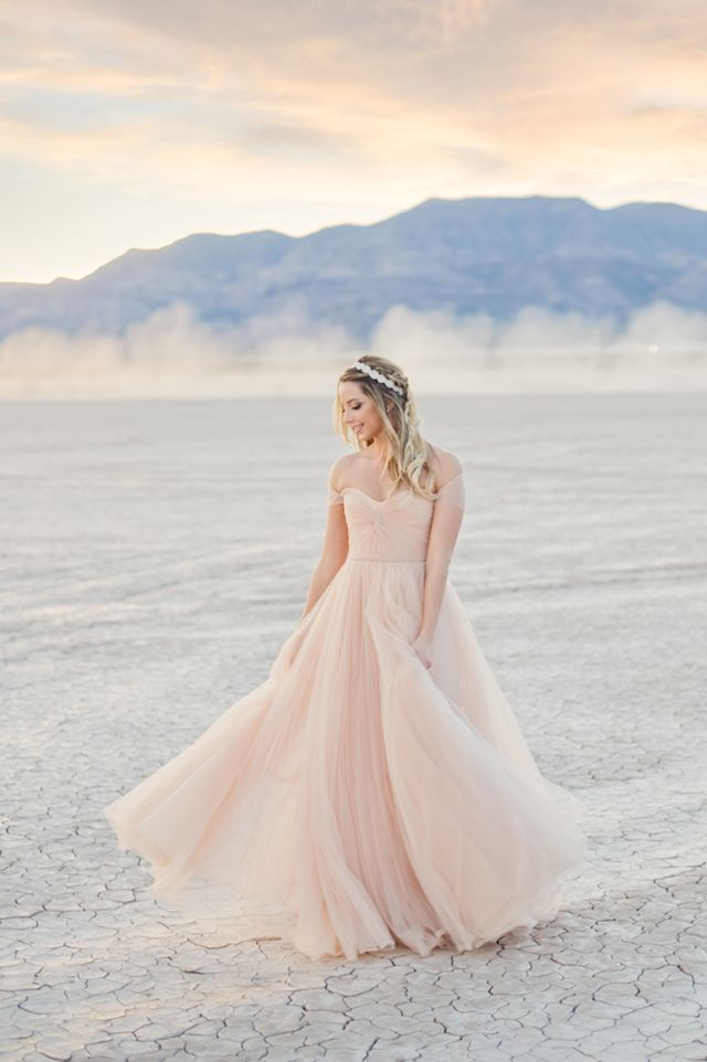 Desert bridal session with a blush Reem Acra dress | Kristen Joy Photography | see more on: http://burnettsboards.com/2015/01/dry-lake-bed-bridal-inspiration-shoot/