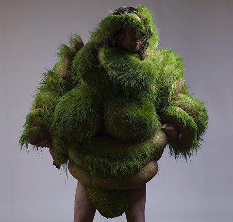 62cc73d3d78f0ed294151f1e12036a9cfe40d178 m From The Googlebox: The World's Best Costume