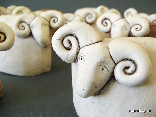 Baranki wielkanocneInspiration, Pottery Sheep, Horns Sheep, Big Horns, Keramiek Ceramics, Een Rokersschaap, Baranki Wielkanocn, Ceramic Sheep, Art Clay