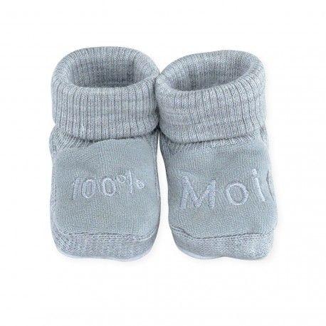519ee247010a6 Indispensable dans votre valise maternité   cette paire de chaussons bébé  apportera de la douceur et