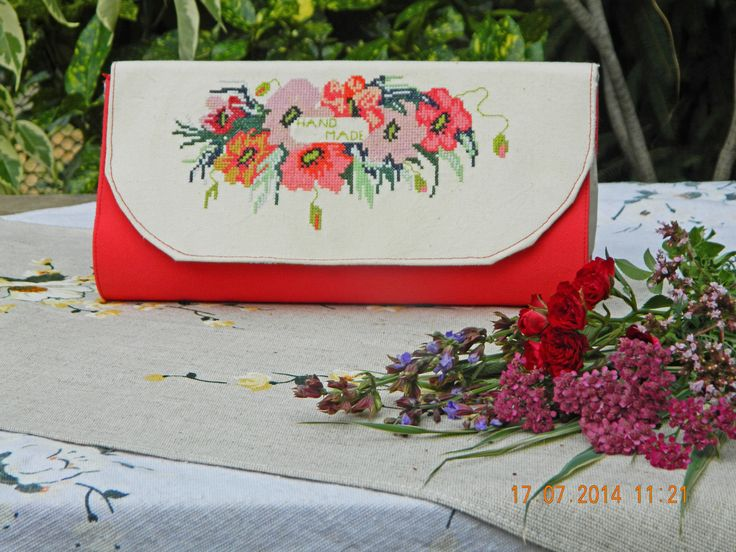 "Clutch ""Coquelicots"": denim, linen, cross-stitch"