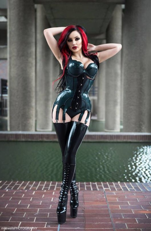 Dani Divine | DANI DEVINE | Latex fashion, Latex et Fetish ...