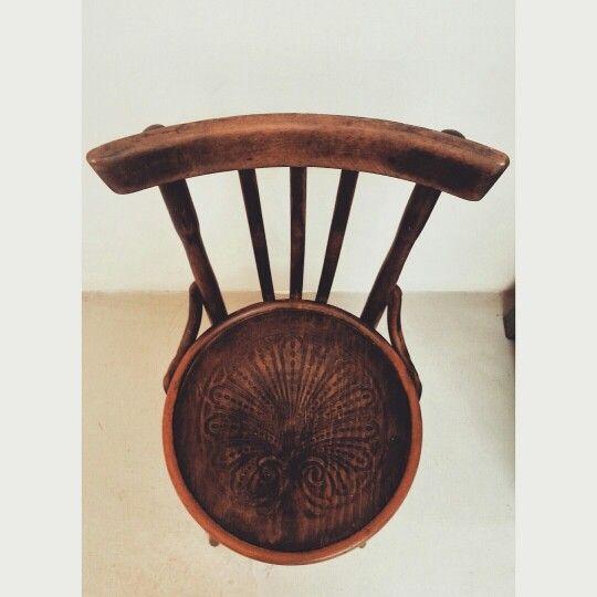 Vecchia Sedia da Soggiorno con seduta decorata | old chair #vintage #vintagefurniture #noseslab #legno #arredamento #sedia #chair