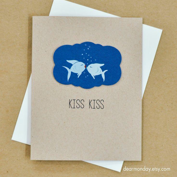 Drôle de carte romantique, Kiss Kiss Love Card, carte de poisson Kissing, relation carte, carte de voeux d'anniversaire, cartes pour un couple - (LV-06) par DearMonday sur Etsy https://www.etsy.com/fr/listing/220602038/drole-de-carte-romantique-kiss-kiss-love