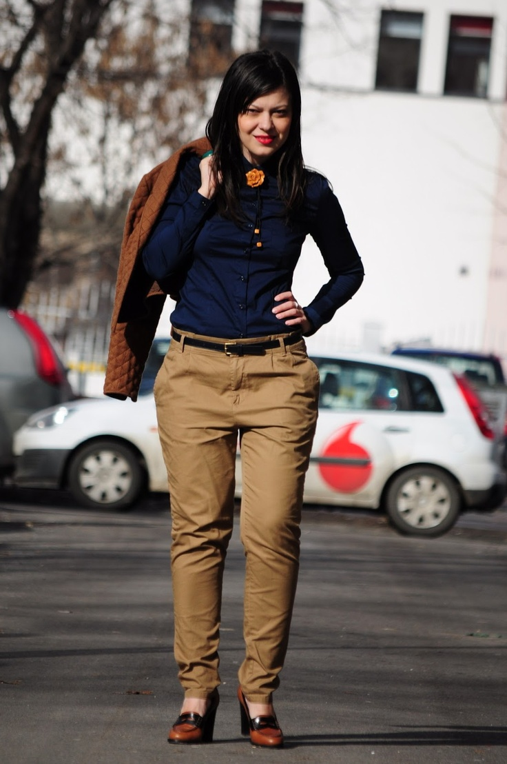 The 25 best brown pants outfit ideas on pinterest brown for What color shirt goes with brown pants