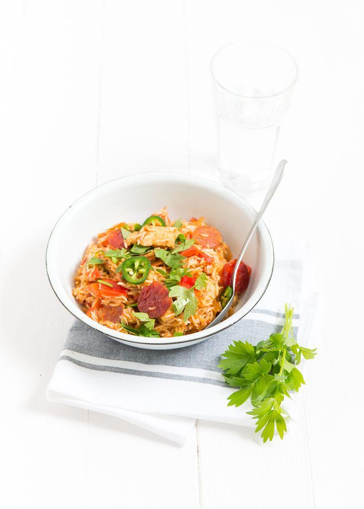 Lekker zelfgemaakte Kip Jambalaya met kip en chorizo.