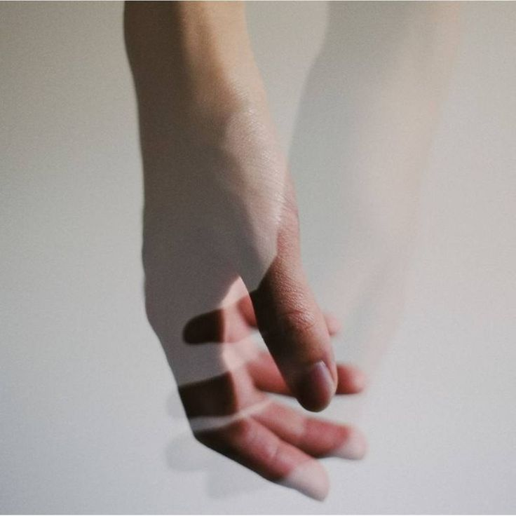 «Глупо искать друг в друге те качества, которыми мы не обладаем.  Сомерсет Моэм»
