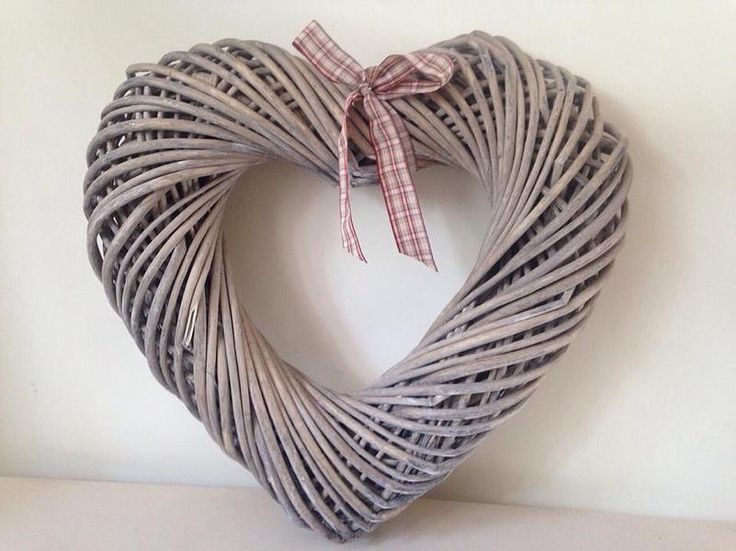 H001/H002 Large Wicker Heart with Bow Ribbon. H: W: Hire cost: £ 2 available.