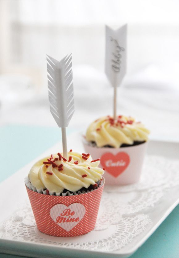 DIY Cupid's Arrow Cupcake + Treat Bag Toppers | Creature Comforts Blog
