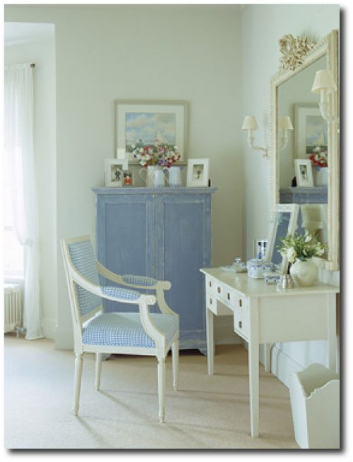 Swedish Decorating  white and blue room + periwinkle + white walls + traditional decor #homedecor