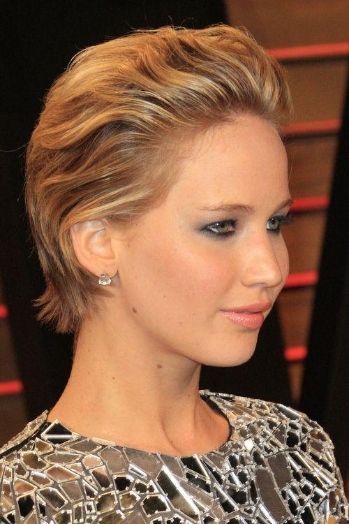 Taglio corto e all'indietro per Jennifer Lawrence