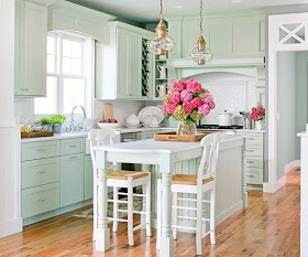 The Cottage Market: 30+ Cottage Kitchens and accessories