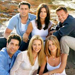 Friends, uma série criada por Marta Kauffman, David Crane com Jennifer Aniston, Courteney Cox: Seis jovens são unidos por laços familiares, românticos e, principalmente, de amizade, enquanto tentam vingar em Nova York. Rachel é a garota mimada que deixa o noivo no altar para viver com a amiga dos tempos de escola Monica, sistemática e apaix...