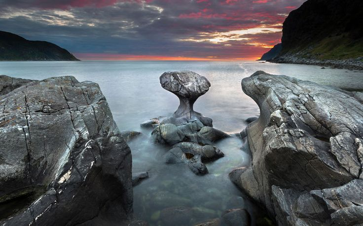 19 landscapes that prove Norway is the most beautiful country in Europe. Kannesteinen Rock in Vågsøy, Nordfjord.