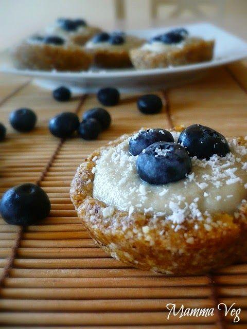 Mamma Veg: Crostatine crudiste ai mirtilli