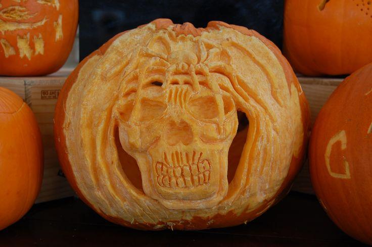 Pumpkin carving Halloween 2014.