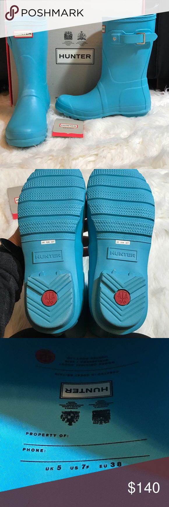 HUNTER Short Original boot Sky Blue 7 These are brand new never tried on!  Comes with care card and original box. Awesome Sky blue color! US women's 7. Offers Welcome! Hunter Shoes Winter & Rain Boots