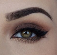 neutral eye with pop of gold on lower lashline