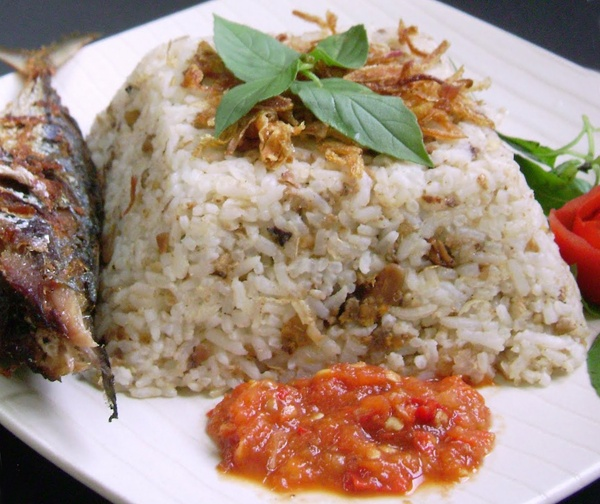 Please visit http://icooking.info/indonesian-recipes-tutug-oncom/ to see the recipes