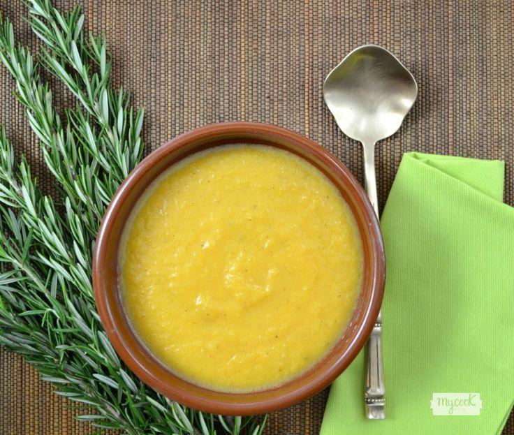 Crema de calabaza al romero - http://www.mycookrecetas.com/crema-de-calabaza-al-romero/