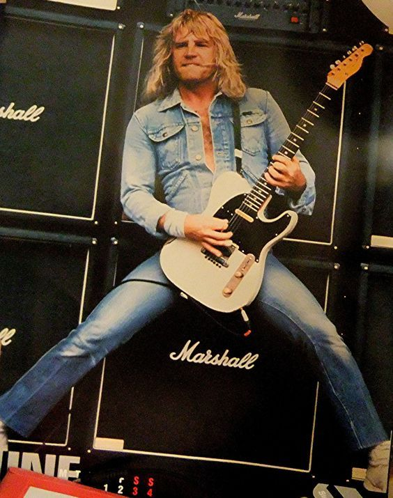 † Rick Parfitt (October 12, 1948 - December 24, 2016) American bassist and songwriter, o.a. known from the band Status Quo.