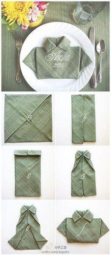 cómo doblar una servilleta en forma de camisa