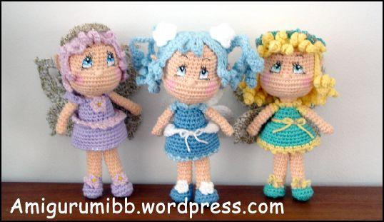 Jeg har før oversat opskrifter af Vanja fra AmigurumiBB, de er så hyggelige 🙂 Denne gang er det skønne feer som enhver lille pige ville være lykkelig for at få – sæt igang! Vanja, fra AmigurumiBB,står bag de hæklede Feer Original opskrift:amigurumibb.wordpress.com/free-patterns-and-tutorials Designer:amigurumibb.wordpress.com Følg mig på Facebook - min Facebook side