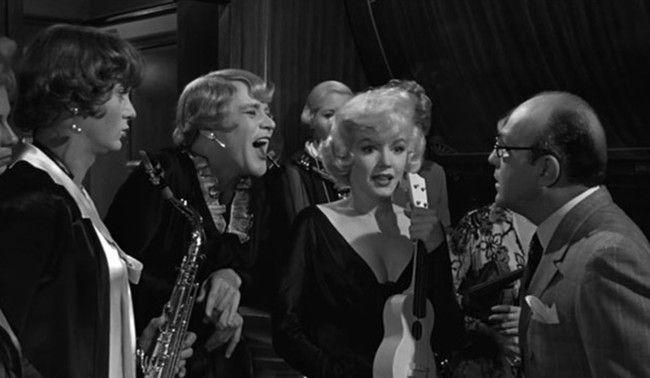 'Con faldas y a lo loco' lidera la lista de las 100 mejores comedias de la historia del cine (según 253 críticos)