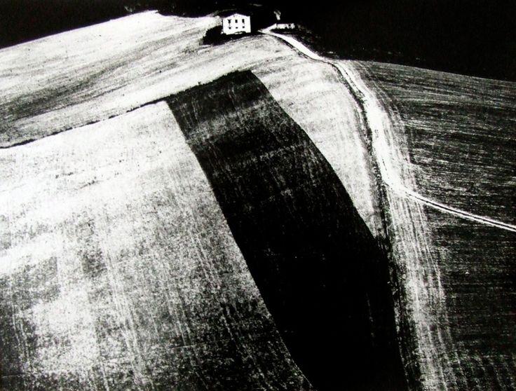 Mario Giacomelli (1925 - 2000) - Metamorfosi della terra, 1955 -1980