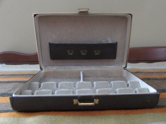 Small Jewelry Box with Crowns on Lid  Velvet by mimishomefashions