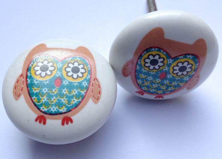 116 Kastknopjes Lovely green Owl, Vintage Uil   Retro Kastknop   Porseleinen Knoppen