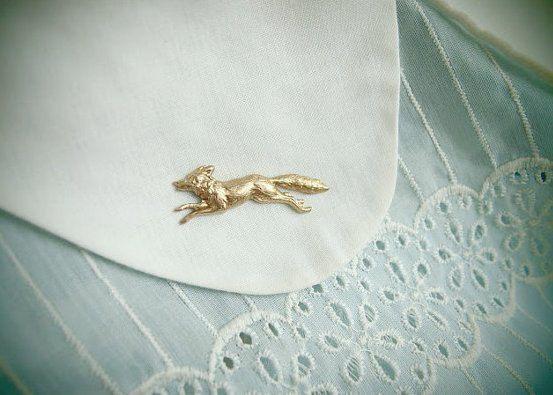 SALE fleet fox - golden fox brooch on Etsy, $22.54 CAD