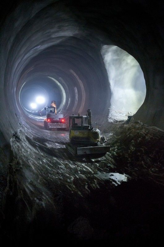 Machinery in the new platform tunnels for Liverpool Street Sstation. Image © Crossrail