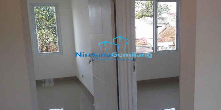 Jual rumah di daerah pamulang, Witanaharja Residence cluster minimalis 2 lantai di Pamulang yang berlokasi di jalan Witanaharja III. Terdiri dari 8 unit rumah 2 lantai dengan spesifikasi bangunan yang bagus dan kokoh.