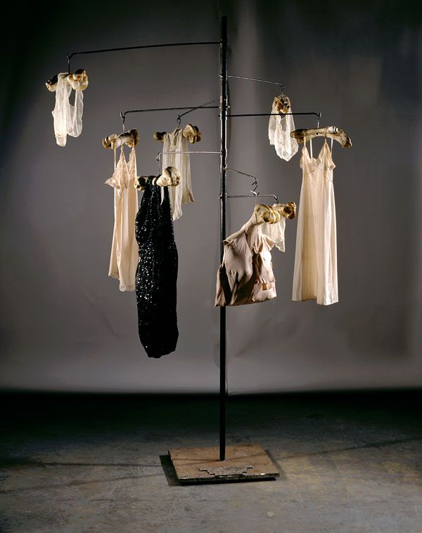 Louise Bourgeois, Untitled, 1996 Clothes, bronze, bone, latex and steel, 300,40 x 208,3 x 195,6 cm. From artist's collection. Photo Allan Finkelman. © Adagp, Paris