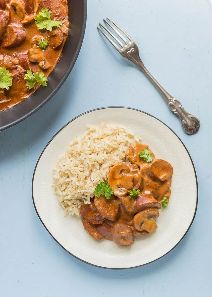 Facebook PinterestBeef stroganoff is a classic Swedish dish, and originates from Russia where the meal was invented for duke Alexander Sergejevitj when he no longer could chew meat after having lost so many teeth! The chef competed with the recipe in a competition by the beginning of 1800's in St Petersburg, and won. After that the recipe gain huge popularity in Europe, and since then people have added and replaced parts of the recipe. This is my vegan version of beef stroganoff, with some…