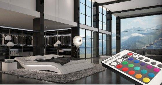 Das Bett für wirklich GROSSE Technikfreaks. Die Maße von 200x220cm sind schließlich nicht überall zu bekommen.