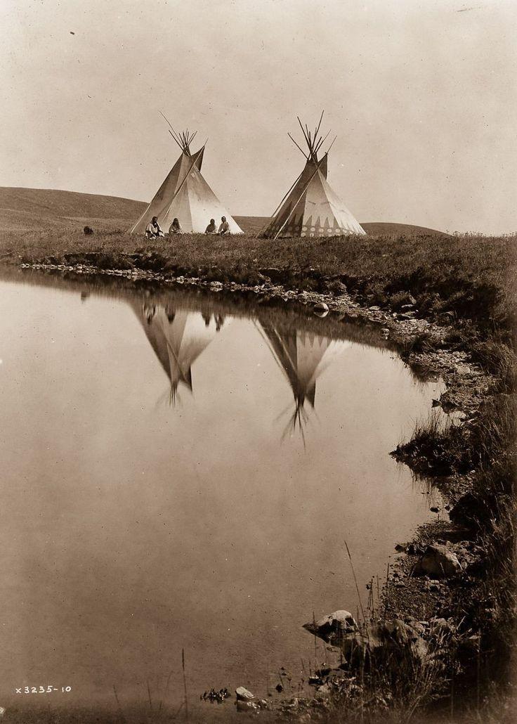 De rares clichés des années 1900 capturent la façon dont les Amérindiens vivaient il y a un siècle.