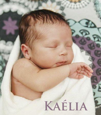 """Prénom féminin, Kaelia vient du mot celte kaelia qui signifie """"le généreux seigneur""""…"""