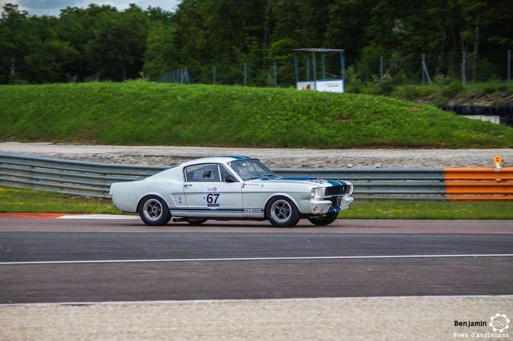 #Ford #Mustang #350 GT au Grand Prix de l'Age d'Or. #MoteuràSouvenirs Reportage complet : http://newsdanciennes.com/2016/06/06/jolis-plateaux-beau-succes-grand-prix-de-lage-dor-2016/ #ClassicCar #VintageCar