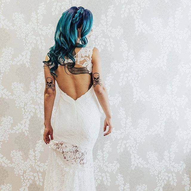 Been putting a lot of #girlboss #work in on the #business the past week and Im pretty excited for all the amazing projects 2018 is bringing     #royaannmillerphotography #destinationweddingphotographer #wedding #weddings #weddingday #weddinghair #intimatewedding #weddinginspiration #bride #makemoments #firstandlasts #portrait #junebugweddings #theknot #dirtybootsandmessyhair #greenweddingshoes #stylemepretty http://ift.tt/2FDJ2kh