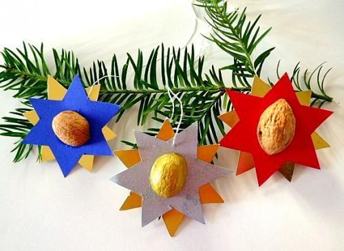 Sterne mit Nussschalen - Weihnachten-basteln - Meine Enkel und ich - Made with schwedesign.de