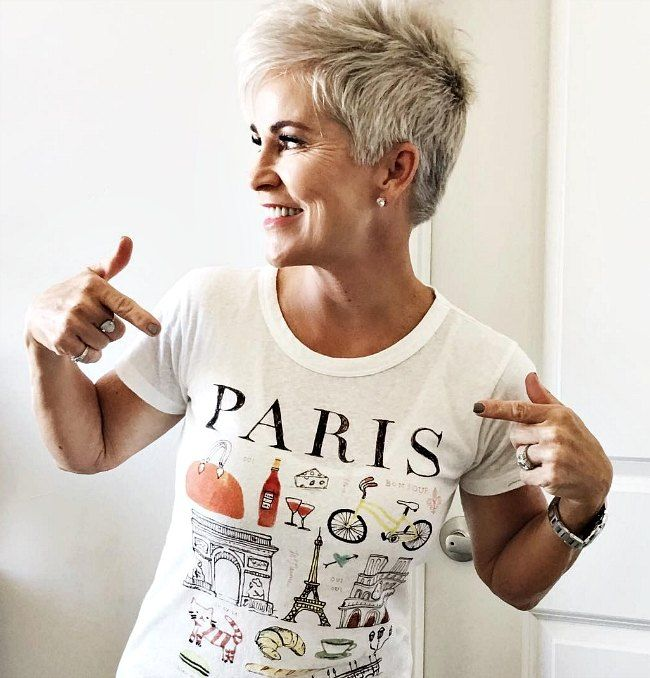 Shauna from Chic Over 50 is tres chic in her Paris statement t-shirt.