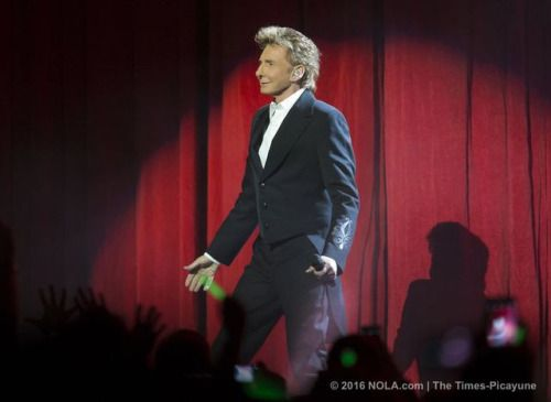 Barry Manilow fills the Smoothie King Center in New Orleans with... #BarryManilow: Barry Manilow fills the Smoothie King… #BarryManilow